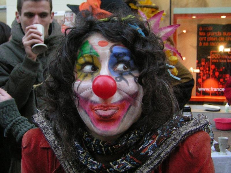 Photos armée des 12 clowns enfin ! Flavie10