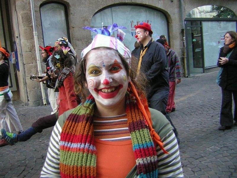 Photos armée des 12 clowns enfin ! Julie10