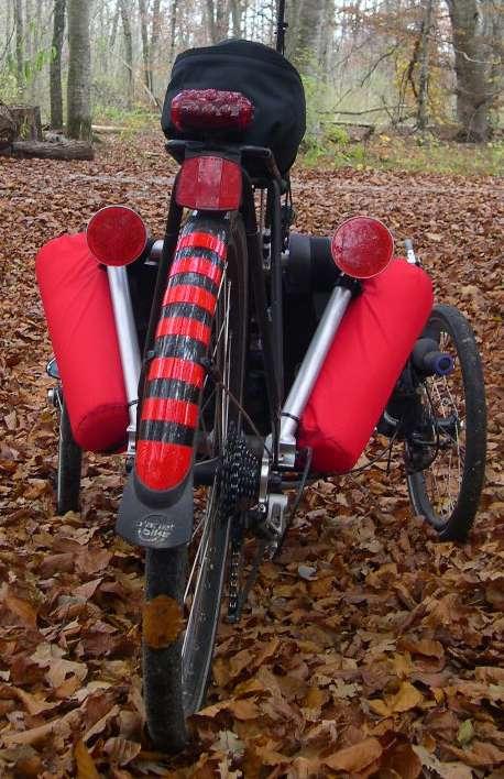 Support pour éclairage arrière sur Road 07 Dscn0010