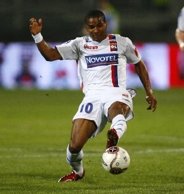 °°° Olympique Lyonnais °°° ~~~~~~~> lucas_le_fou - Page 2 Maloud10
