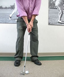 Short Game - Towel Drill - Chipping Stance10