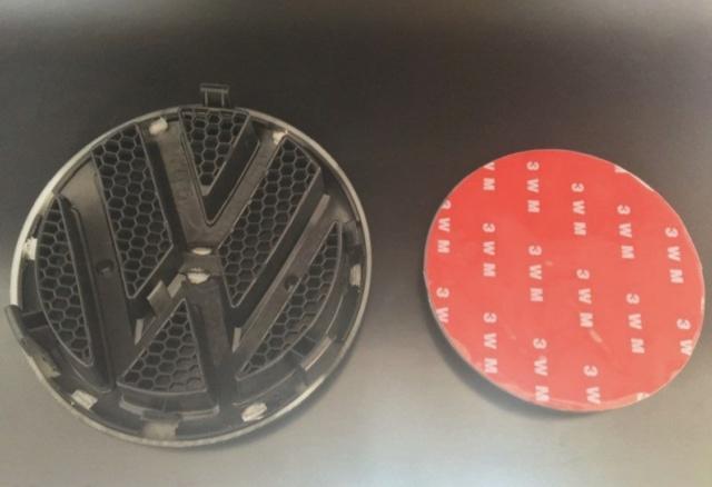 (vendu) logo av et arr VW carbone T5 Img_7910