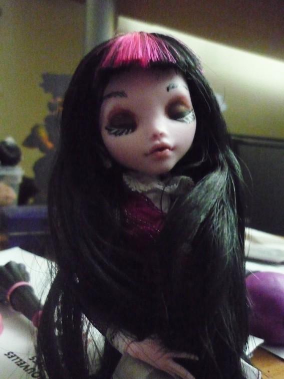 Monster high : Azalée - new make up ! (pas mal de photos) P1020712
