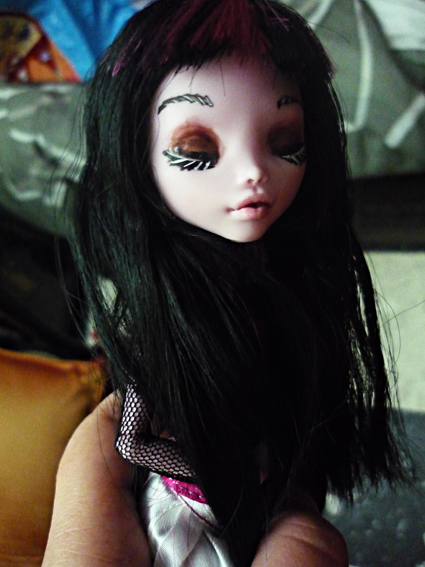 Monster high : Azalée - new make up ! (pas mal de photos) P1020713