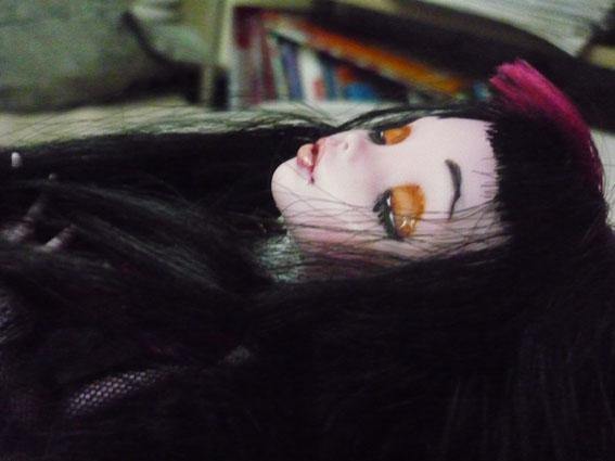 Monster high : Azalée - new make up ! (pas mal de photos) P1020810