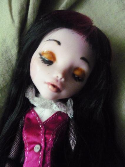 Monster high : Azalée - new make up ! (pas mal de photos) P1020814