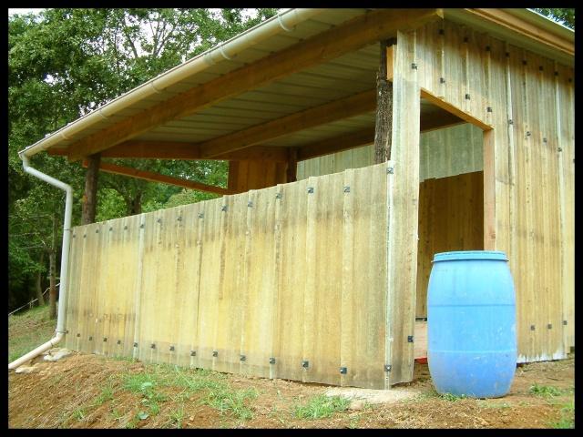Construction d'un abri pour chevaux Dscf0015