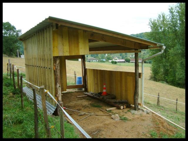 Construction d'un abri pour chevaux Dscf0018