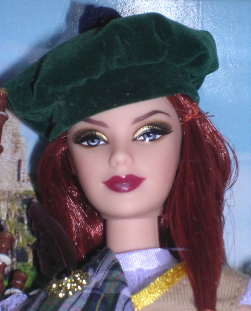 DOLLS OF THE WORLD - Page 2 Dscn8118