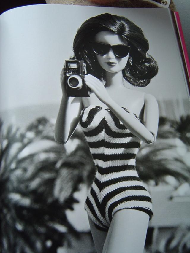"""Superbe livre de photos """"Barbie"""", éd. Assouline Dsc00435"""