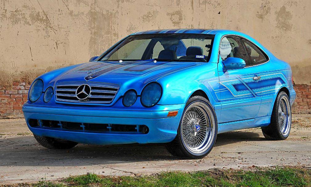 Mercedes CLK 320 lowrider .... pas à la bonne hauteur ...  Merco-10