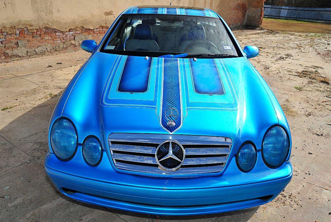 Mercedes CLK 320 lowrider .... pas à la bonne hauteur ...  Merco-12