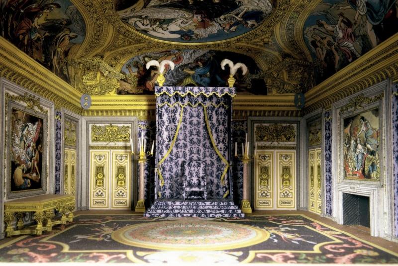 Exposition « Trônes en majesté, l'autorité et son symbole » - Page 3 00001010