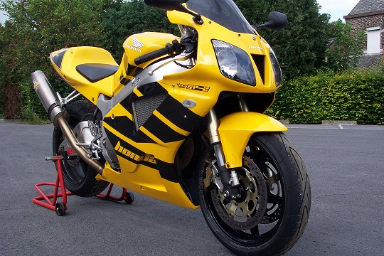 Vidéo moto de Mettet Dcp_1311
