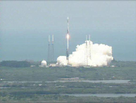 Atlas V 401 (SBIRS GEO 1) - 7.5.2011 Capt_137