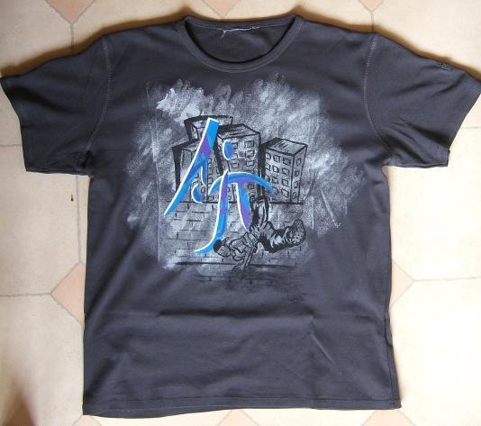 peinture sur tee-shirt Dscf3612