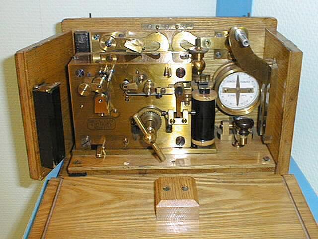 Интересный железнодорожный телеграфный аппарат SH конца XIX века из музея Севзаптелекома Sh410