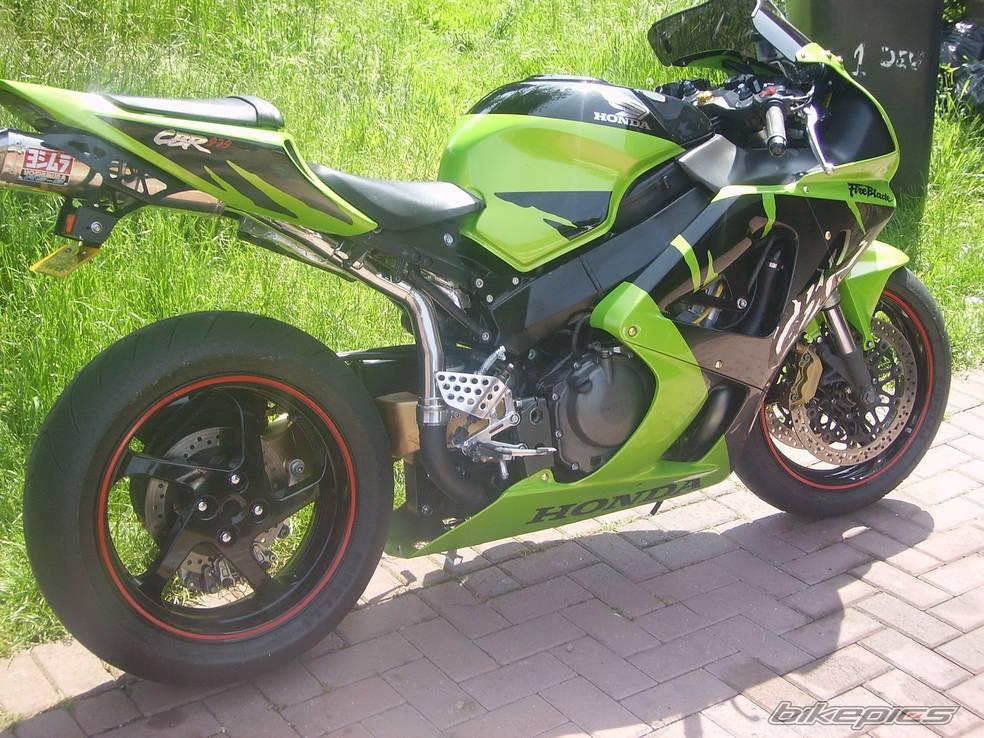 929 de couleur verte  Bikepi11
