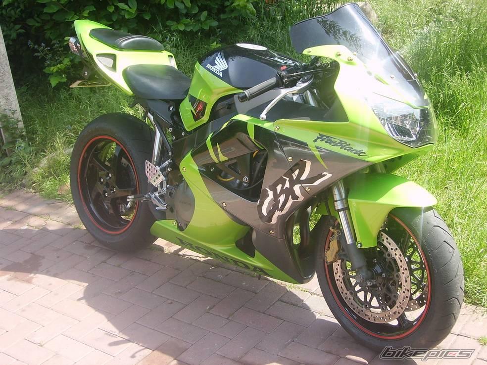 929 de couleur verte  Cbr_ve10