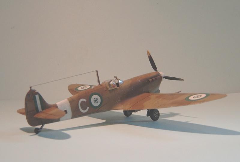 [ITALERI] Spitfire Mk Vb trop 249° Squadron Malte 1942 Spitfi29