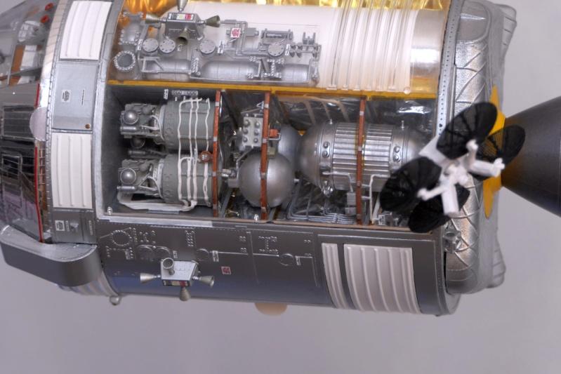 Vos collections de maquettes sur le spatial P1100610
