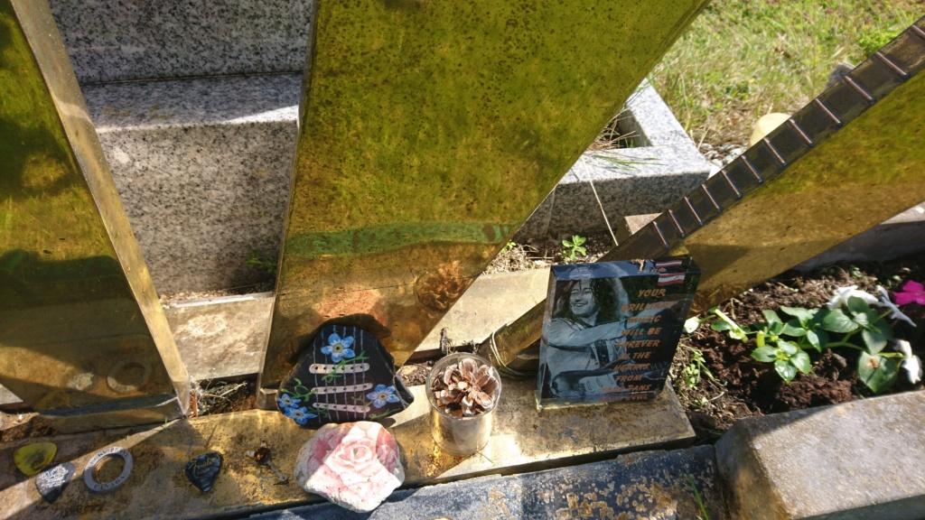 Lieux et monuments dédiés à Rory Gallagher - Page 7 Dsc_1011