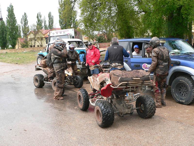 voici notre raid d'avril 2011 : pour quad .... P1220712