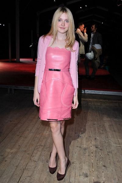 Dakota Fanning / Michael Sheen - Imagenes/Videos de Paparazzi / Estudio/ Eventos etc. Images10