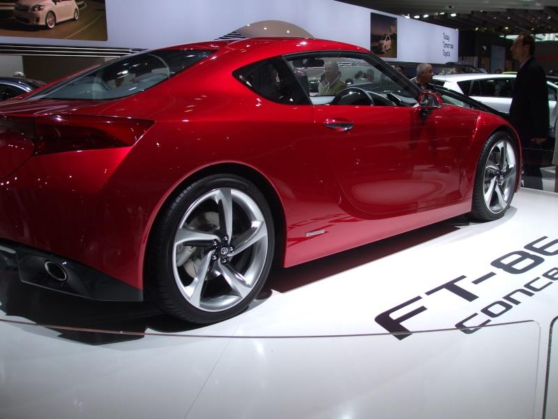 Salon de l'auto 2010 ( mondial de l'auto 2010 ) Dscf2122