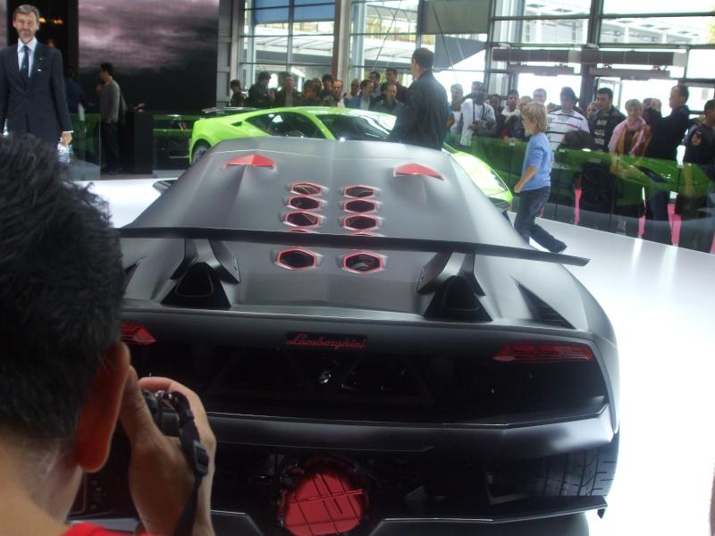 Salon de l'auto 2010 ( mondial de l'auto 2010 ) Dscf2318