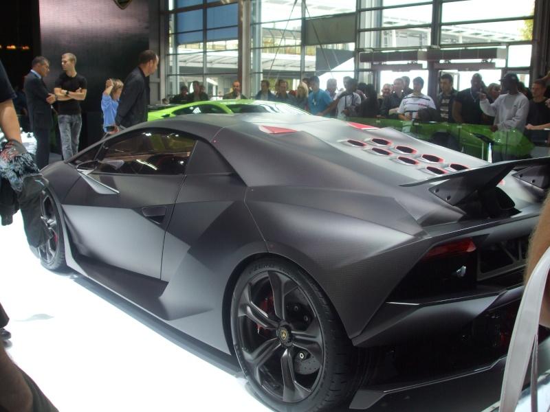 Salon de l'auto 2010 ( mondial de l'auto 2010 ) Dscf2319