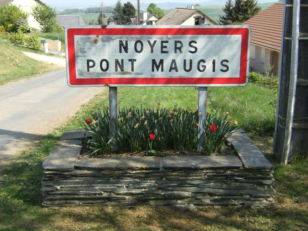 Le cimetière militaire allemand de Noyers-Pont-Maugis Sedan_10