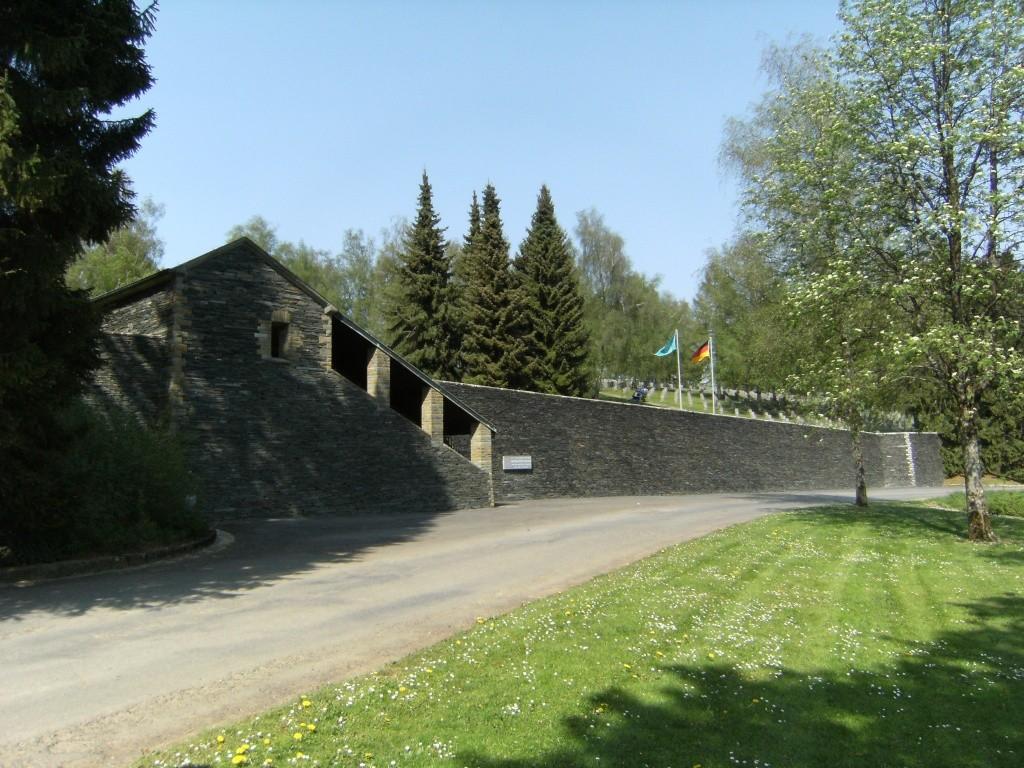 Le cimetière militaire allemand de Noyers-Pont-Maugis Sedan_12
