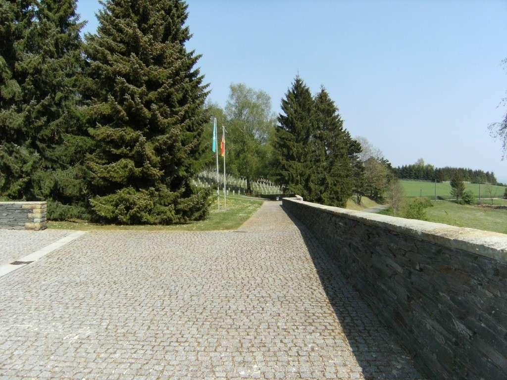 Le cimetière militaire allemand de Noyers-Pont-Maugis Sedan_15