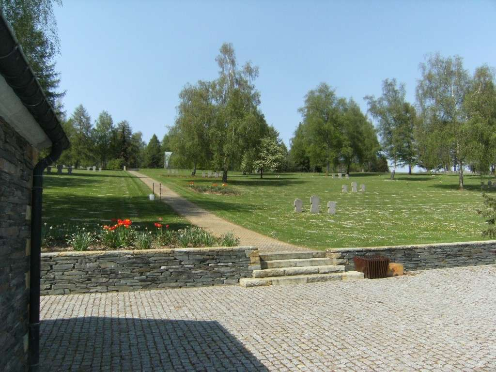 Le cimetière militaire allemand de Noyers-Pont-Maugis Sedan_16