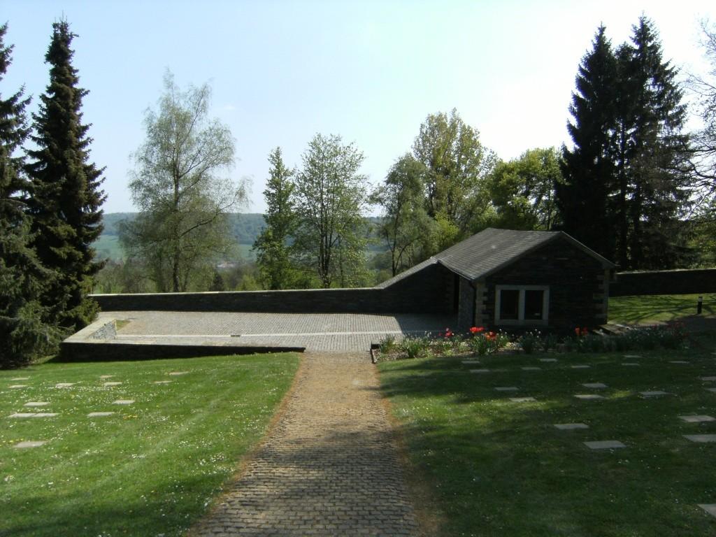 Le cimetière militaire allemand de Noyers-Pont-Maugis Sedan_17