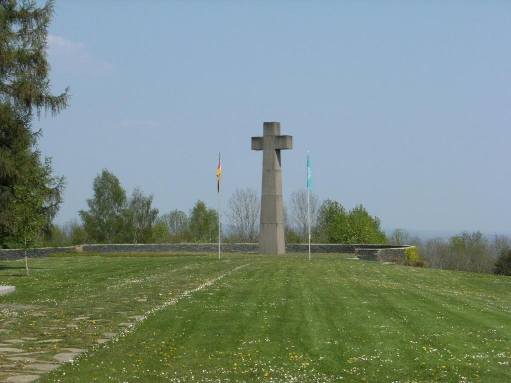 Le cimetière militaire allemand de Noyers-Pont-Maugis Sedan_21