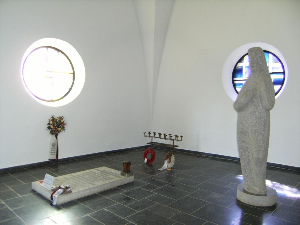 Le cimetière militaire allemand de Noyers-Pont-Maugis Sedan_22