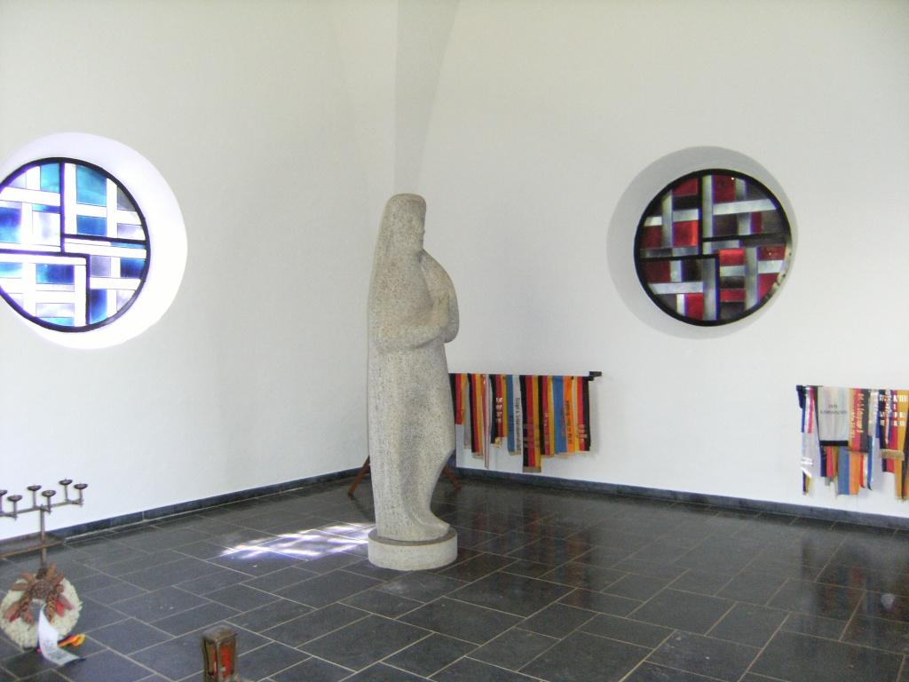 Le cimetière militaire allemand de Noyers-Pont-Maugis Sedan_24