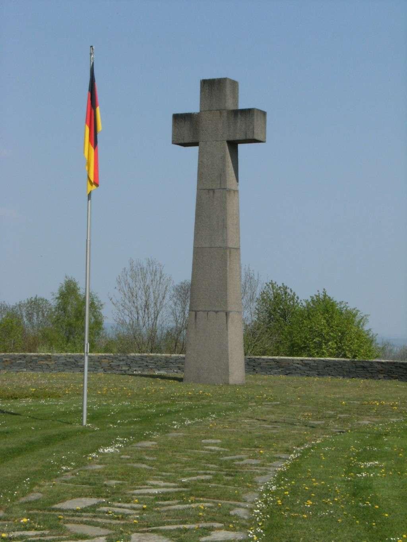 Le cimetière militaire allemand de Noyers-Pont-Maugis Sedan_26