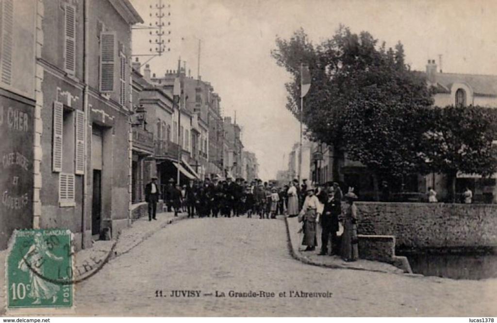 Une rue  de Juvisy,, un défilé, un personnage yeux bandés ....  - Page 8 Juvisy10