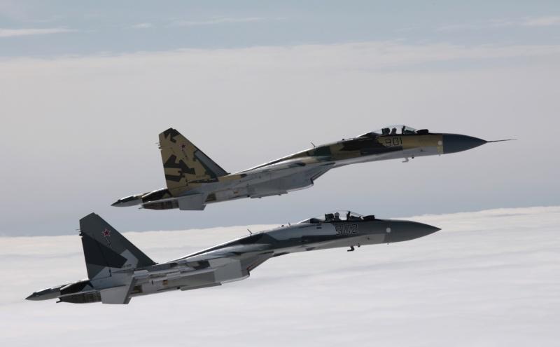 Chasseur Su-35BM  - Page 2 23739110