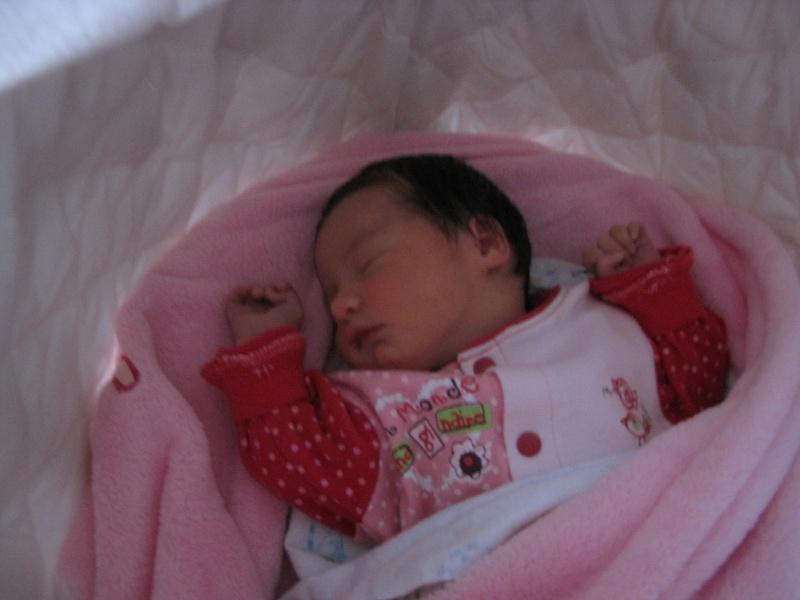 Naissance d'Alycia le 24 avril 2011 Img_1015