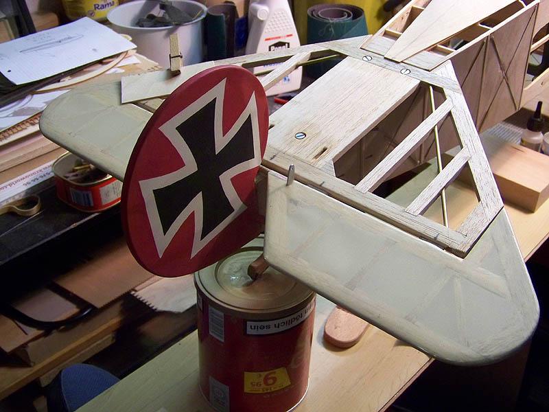 Fokker DR.I  -  DeAgostini-Umbau, M 1:6 Hltw_010
