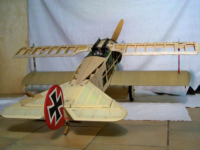 Fokker DR.I  -  DeAgostini-Umbau, M 1:6 Rumpf_18