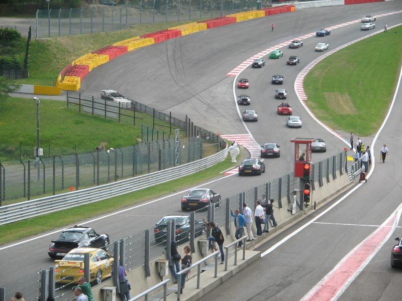 Compte rendu des Porsche Days Francorchamps 2011 - Page 3 Porsch11