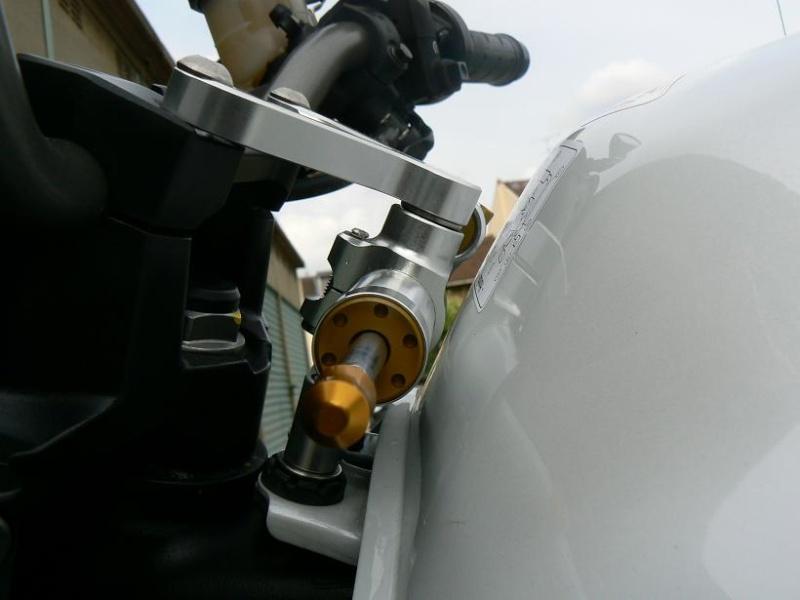 [AGn°2] Amortisseur de direction HYPERPRO RSC CB1000R P1090011