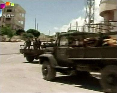مظاهرات بسوريا وفرار لسكان المعرة 1_106810
