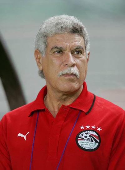 حسن شحاتة يتقدم باستقالته رسميا من تدريب منتخب مصر 3274e510