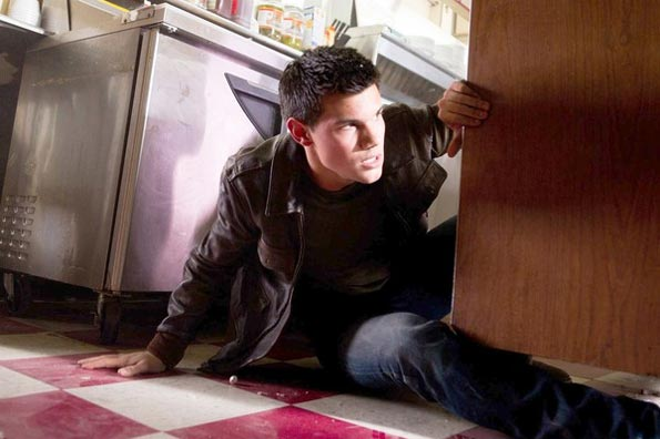 Abduction (Taylor Lautner) Taylor11